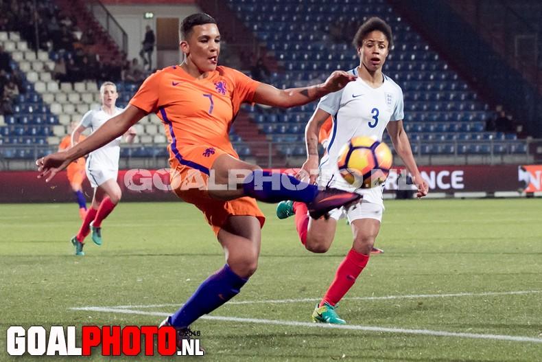 Oranje ook onderuit tegen Engeland (0-1)
