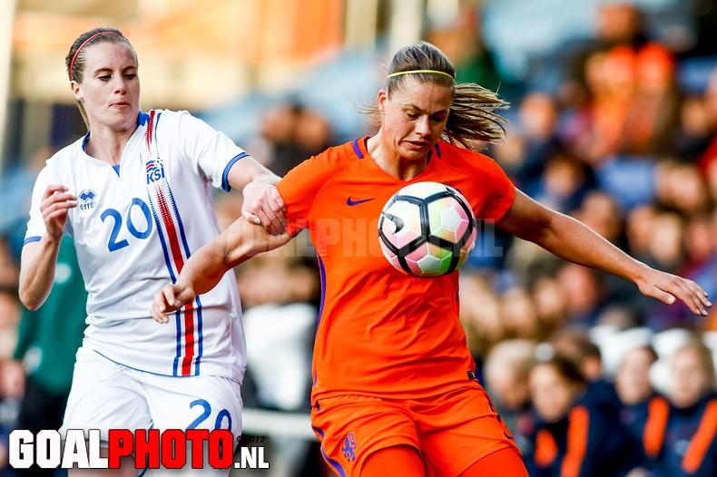 Oranjevrouwen laten IJsland kansloos in vriendschappelijke interland