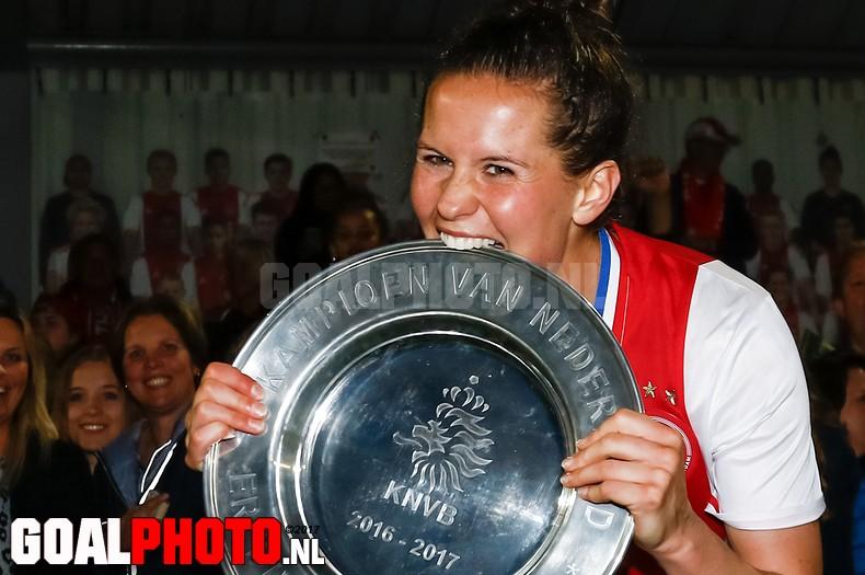 Voetbalsters Ajax pakken eerste landstitel