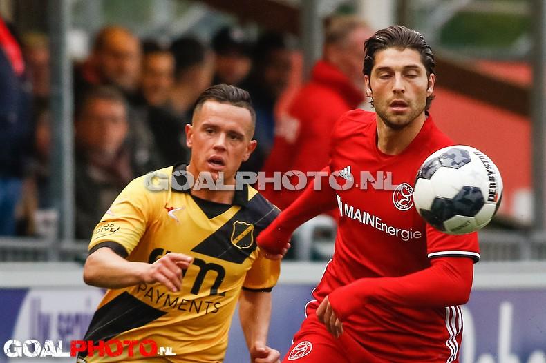 NAC wint bij Almere City en speelt doemscenario van zich af: 0-2