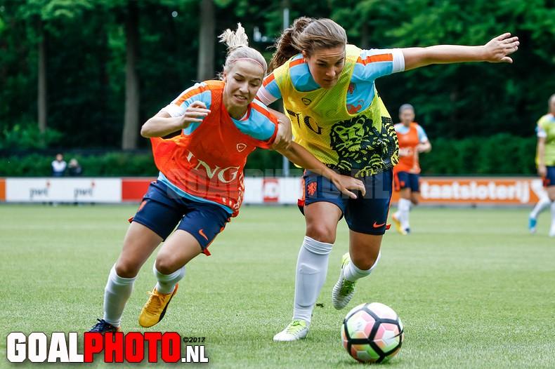 Training Oranjeleeuwinnen op KNVB Campus