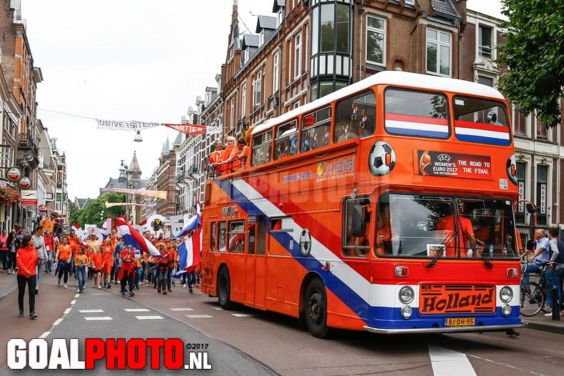 Oranje uitstekend van start op EK met zege op Noorwegen