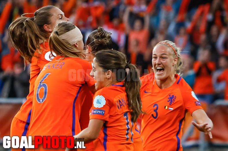 Nederland klopt België en plaatst zich voor de kwartfinales
