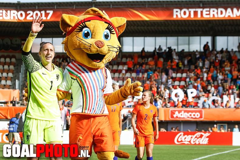 Oranjevrouwen winnen laatste oefenwedstrijd voor EK