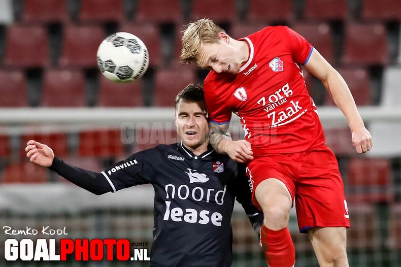 Jong FC Utrecht behoudt rode lantaarn na verlies tegen Emmen