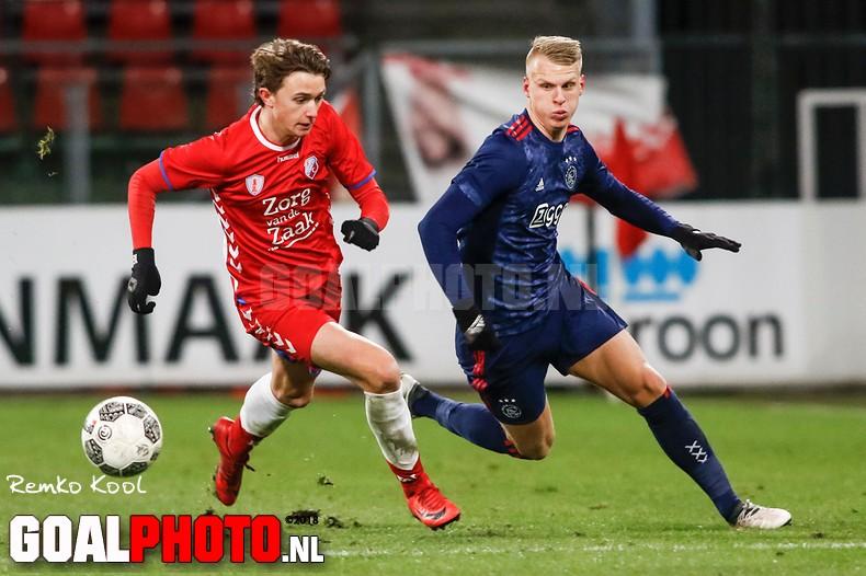 Hekkensluiter Jong FC Utrecht verrast koploper Jong Ajax