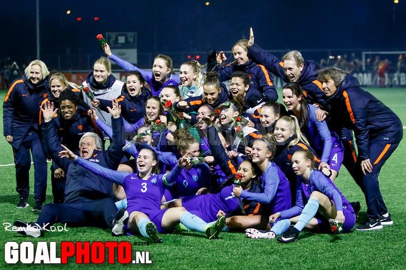 Speelsters onder 17 gekwalificeerd voor EK 2018