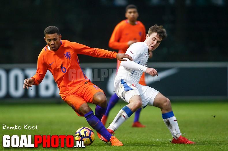 Oranje onder 20 onderuit tegen Tsjechië