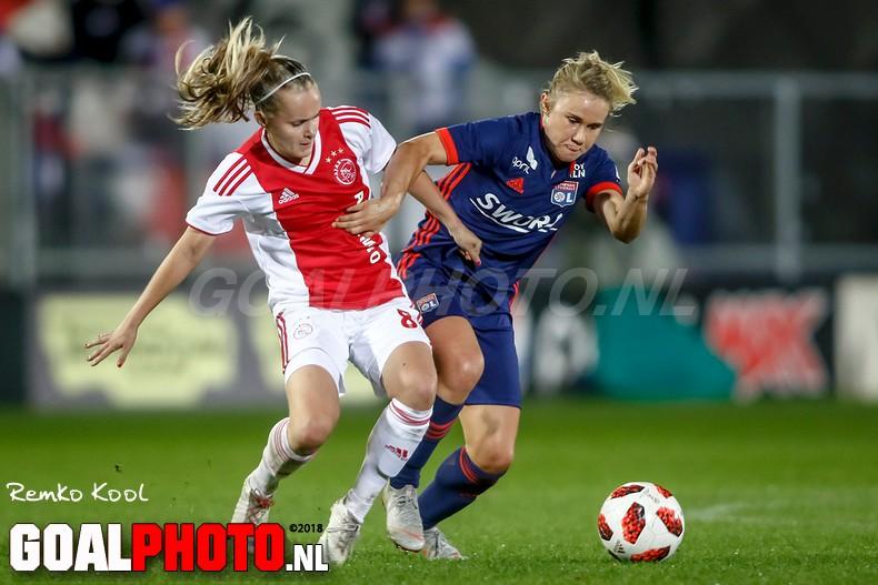 Vedetten Lyon hebben geen kind aan Ajax-vrouwen