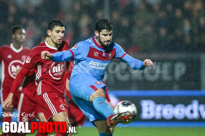 FC Twente nieuwe koploper Eerste Divisie dankzij winst op Almere City