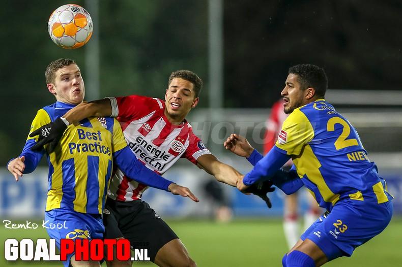Jong PSV stijgt naar toppositie in de Keuken Kampioen Divisie