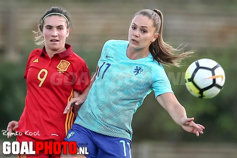 Oranjevrouwen beginnen Algarve Cup met nederlaag tegen Spanje