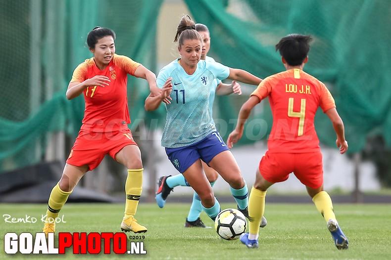 Oranjevrouwen elfde op Algarve Cup na strafschoppen tegen China