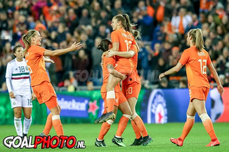 Oranjevrouwen verslaan Mexico in oefenduel ter voorbereiding op WK