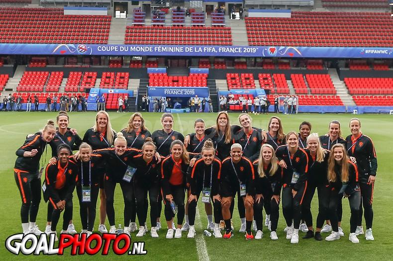 Persconferentie voor Nederland – Japan & stadionbezoek