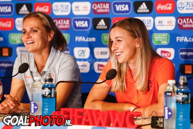 Wiegman: 'Kans dat Martens speelt tegen Italië is fiftyfifty'